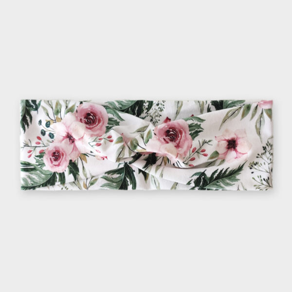 Čelenkovice - V zahradě bílá